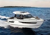 Jeanneau Outboard Powerboats